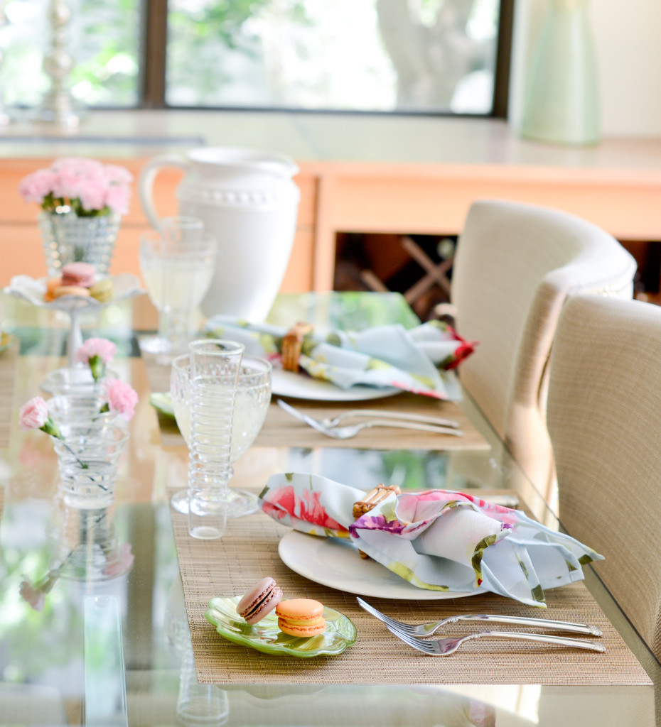 FASHIONABLE HOSTESS TABLE TOP TEA PARTY