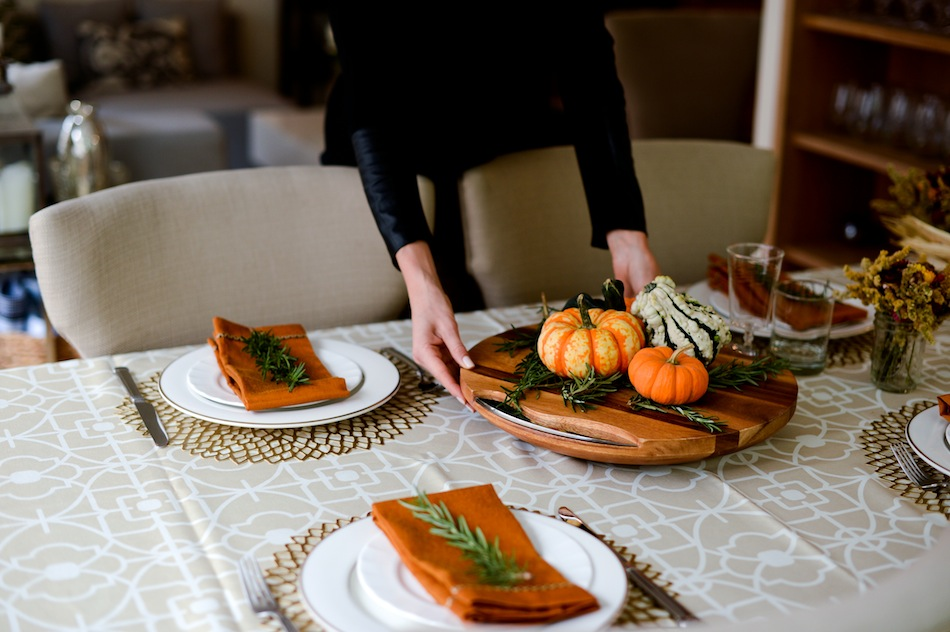 Thanksgiving DIY centerpiece // FashionableHostess.com