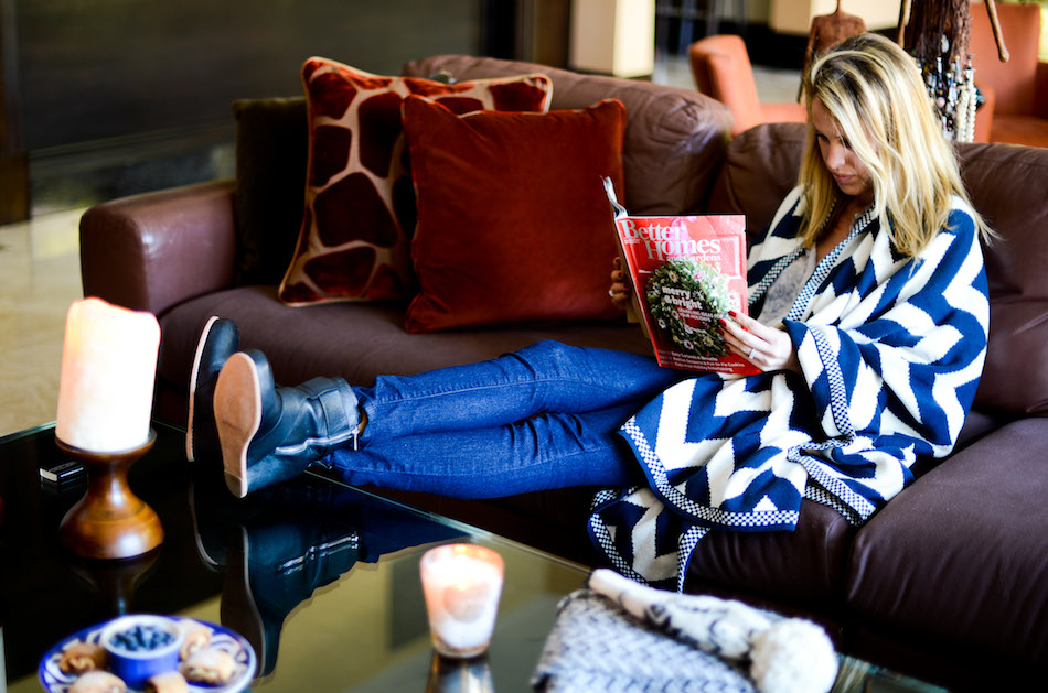 Snuggled on the couch // Fashionable Hostess