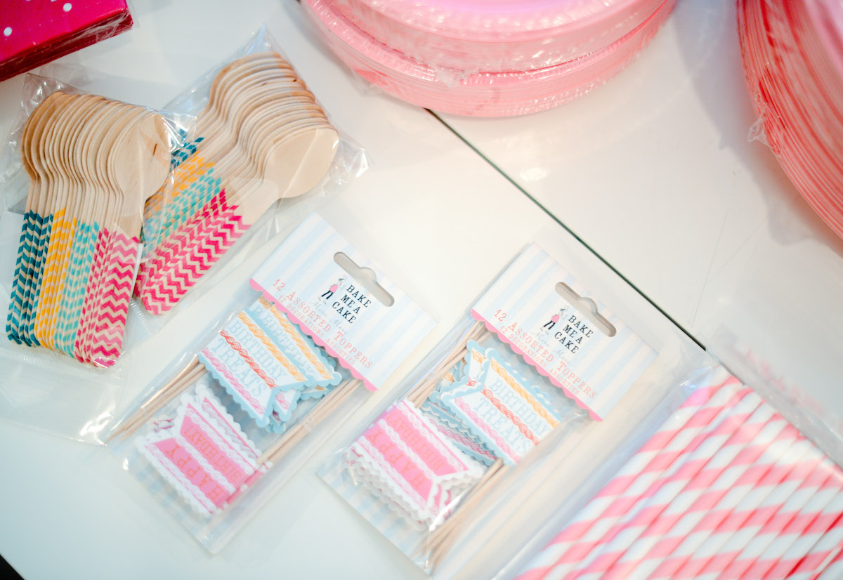 Cupcake Toppers - Baby's 1st Birthday Party // FashionableHostess.com
