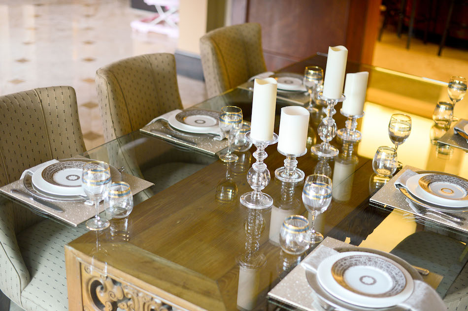 Fashionable Hostess Table Setting