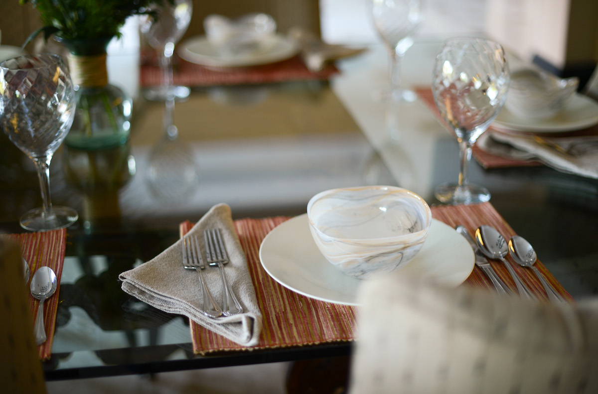 January Table Setting // FashionableHostess.com