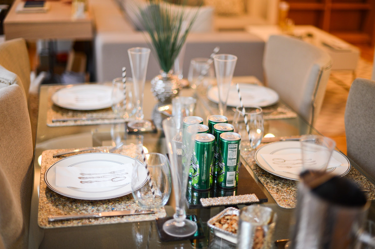 Host a Lunch Meeting // FashionableHostess.com