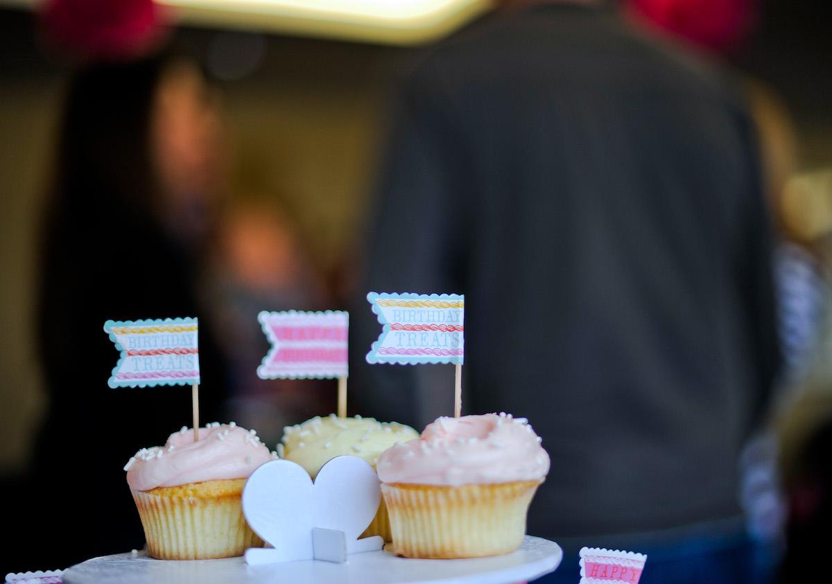 Magnolia Bakery Cupcakes // FashionableHostess.com