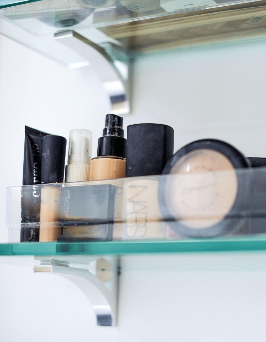 organize your makeup in clear bins