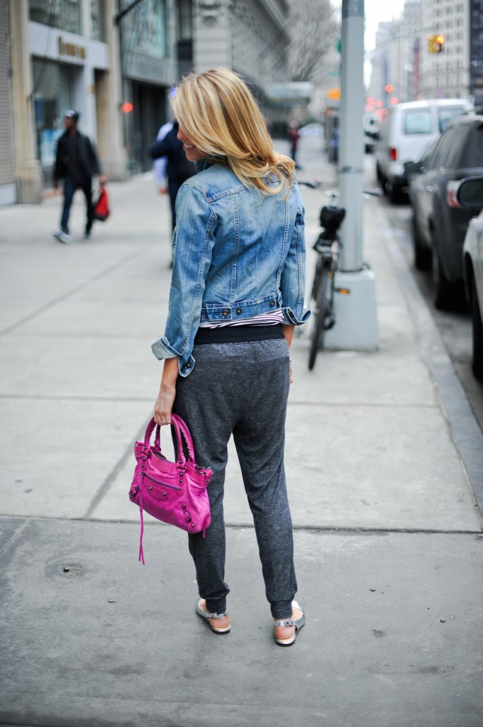 Strolling in NYC in Harem Pants // FashionableHostess.com