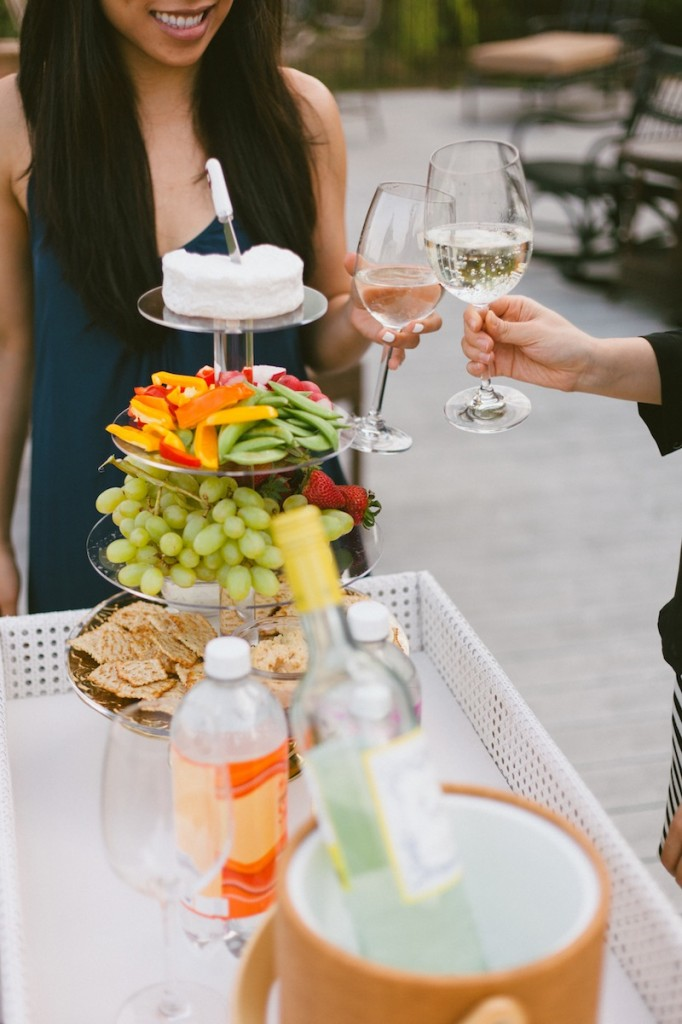 Entertaining al fresco by Society Social // FashionableHostess.com