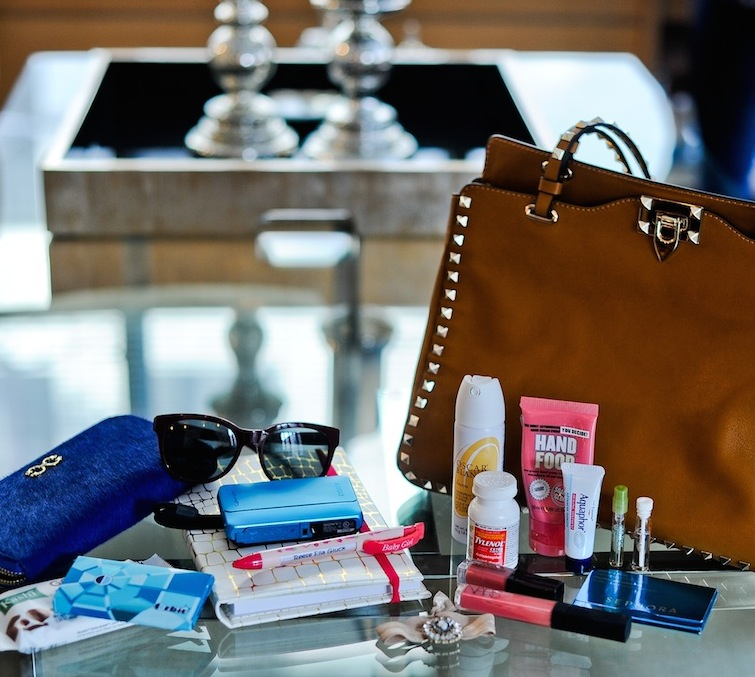 Whats in My Bag :: FashionableHostess.com