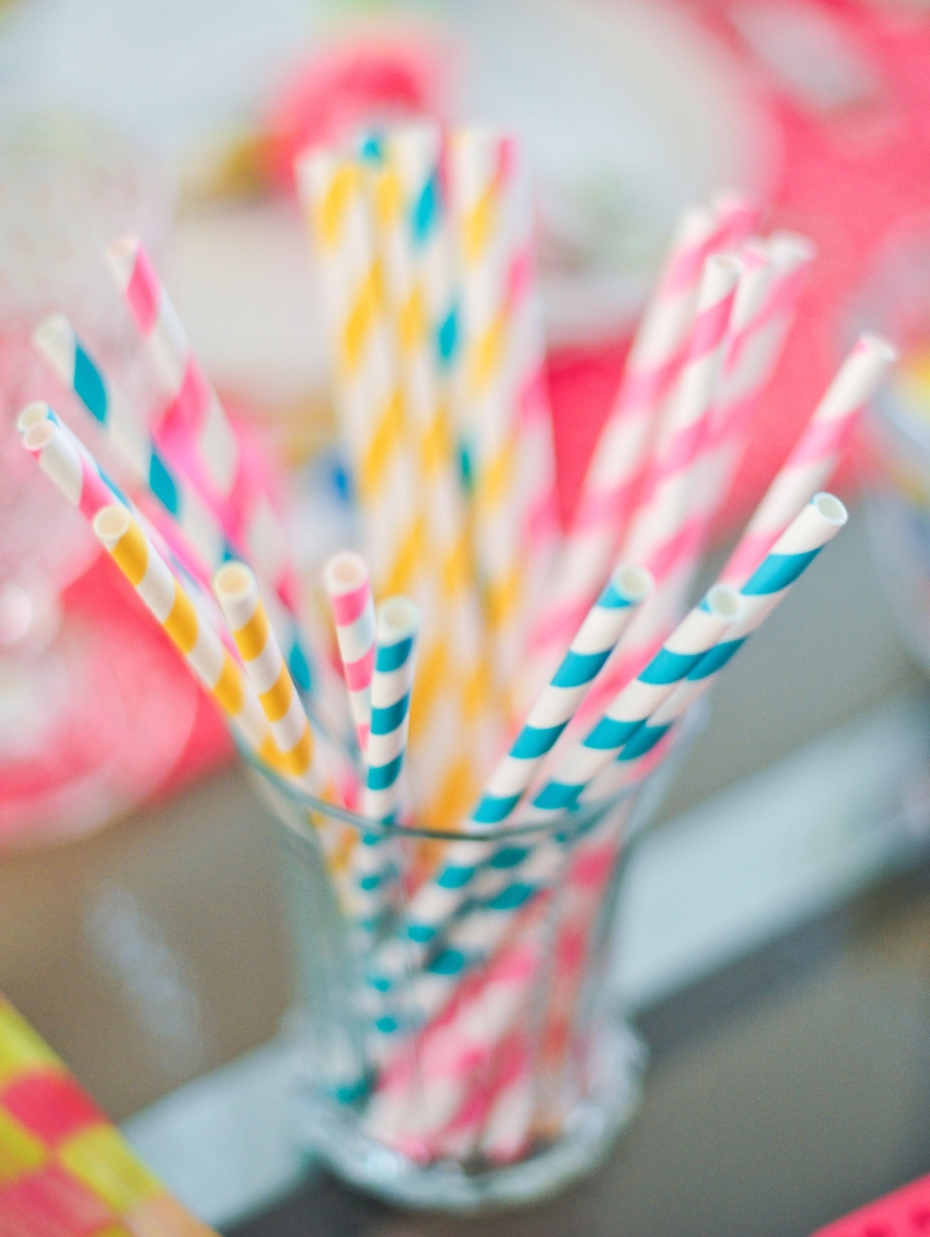 easter color straws