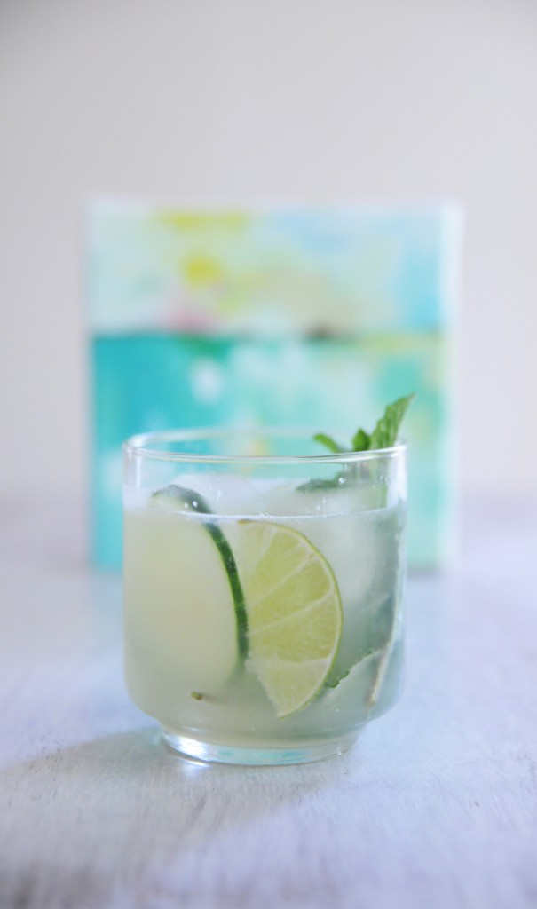 "Skinny ""Mojito"" Lime Fizzy by Hillary Butler // FashionableHostess.com"