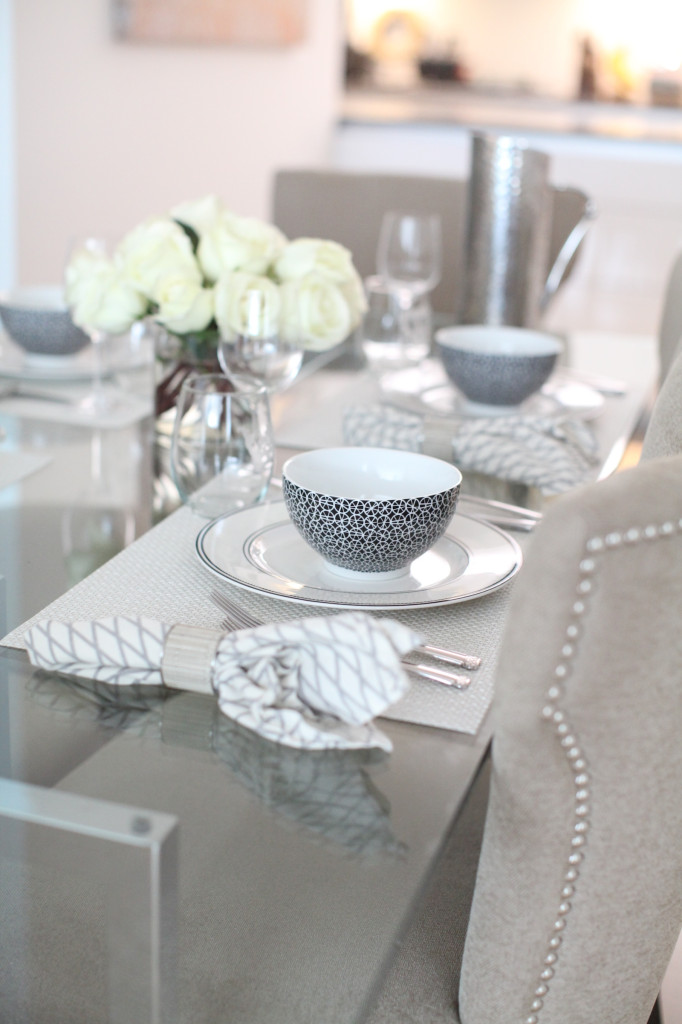 black and white table details 1