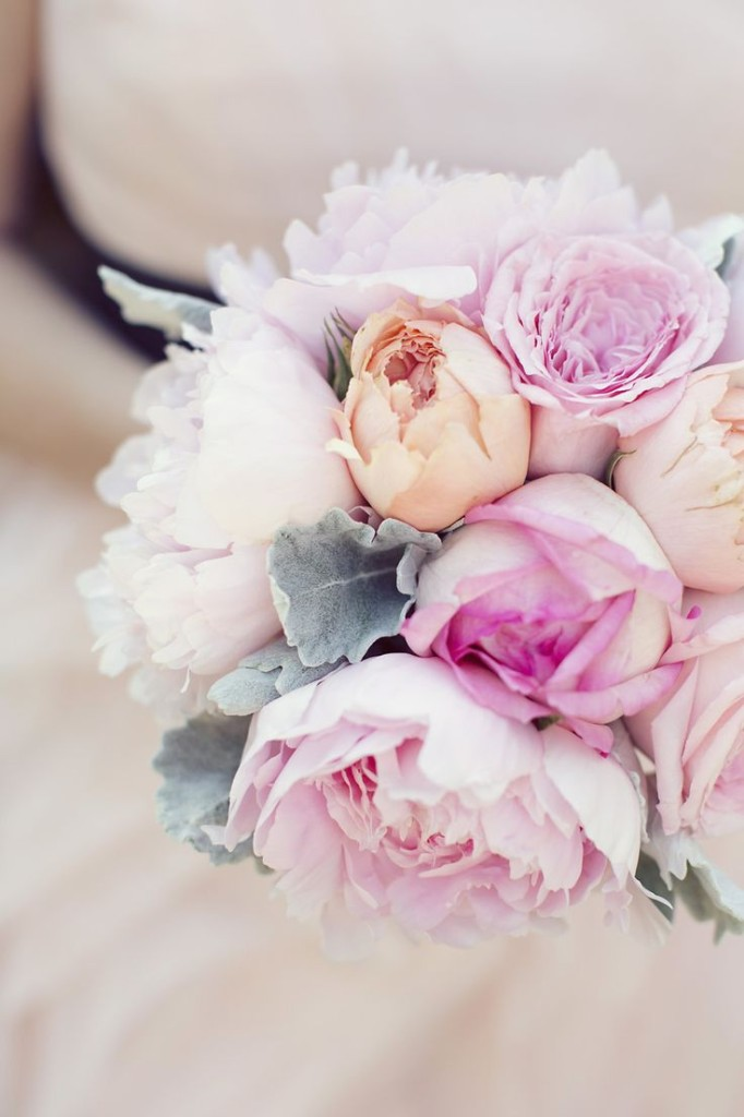 white, blush pink, yellow, and cognac peony bouquet