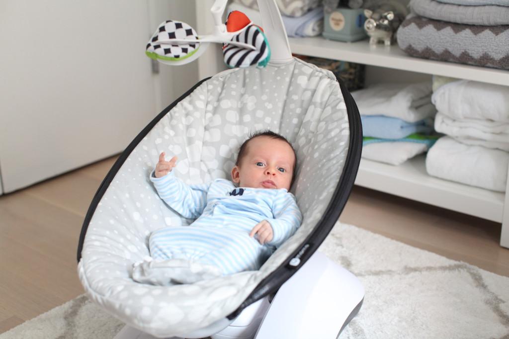 best baby swings review, 4moms rocaroo in grey