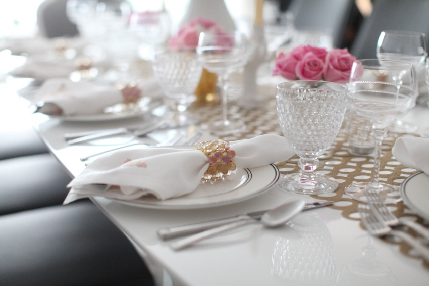 Pink table setting ideas