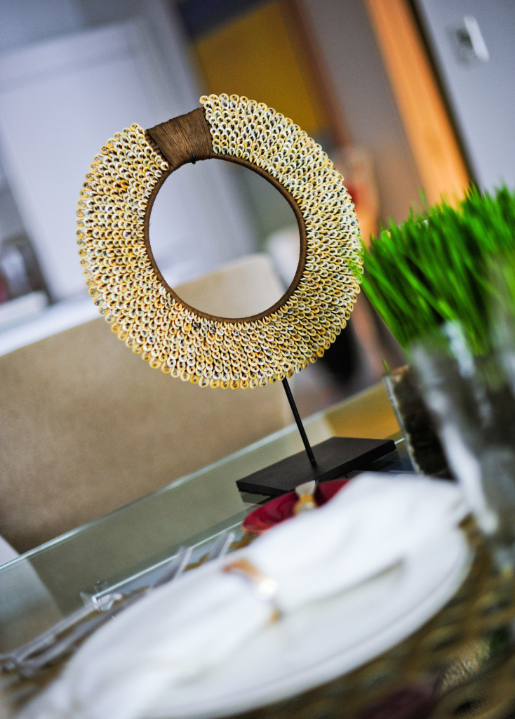 Lapinu Tribal Necklace by Dakorum.com is the pefect focal point for a Fall Mod Gold Table