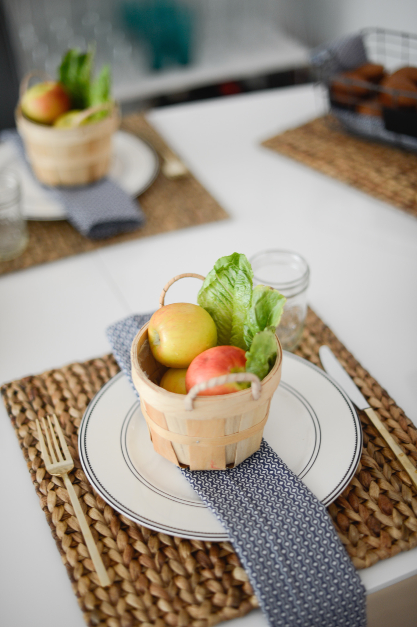 Mini orchard baskets for thanksgiving table