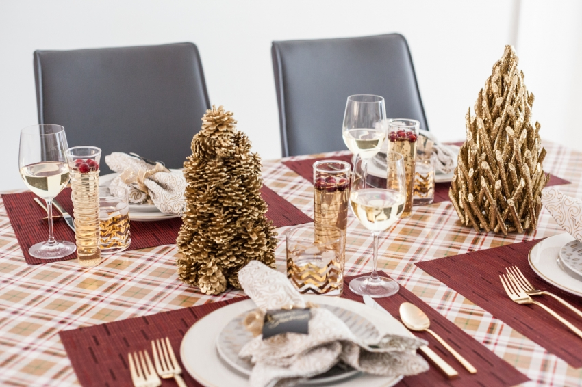 Holiday Table DIY