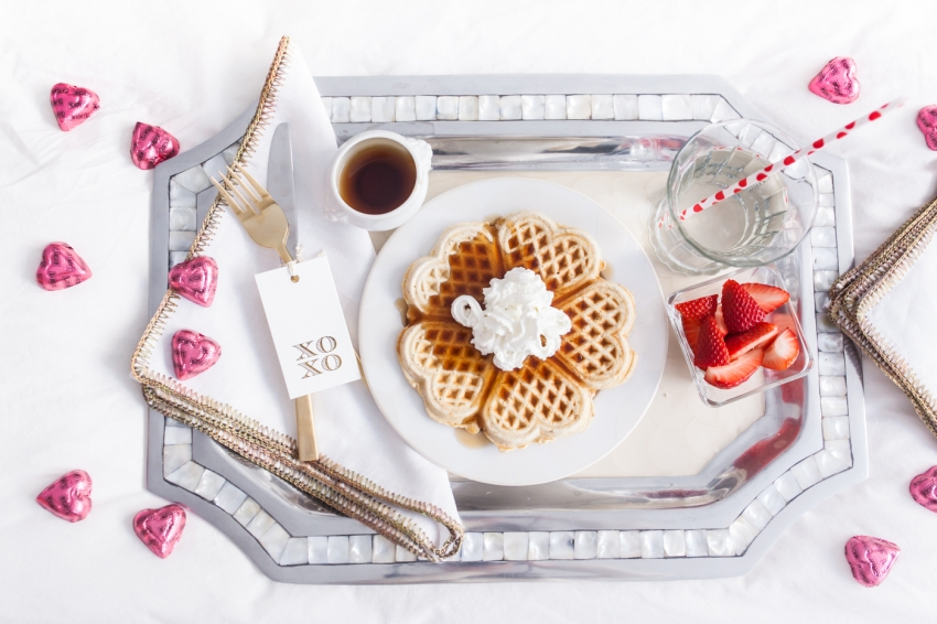 Beautiful breakfast in bed idea by Fashionable Hostess