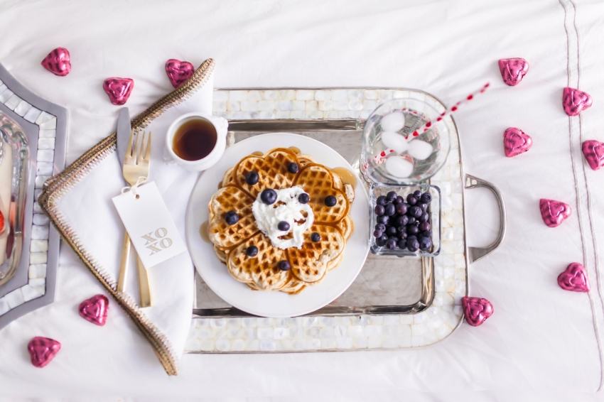 The perfect Valentine's Day Breakfast in bed by Fashionable Hostess