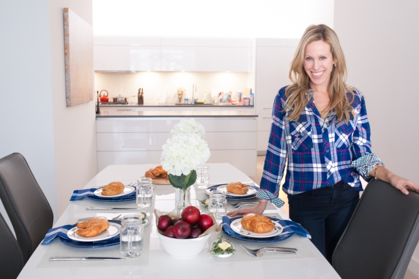 Amanda Gluck of Fashionable Hostess serves a country style breakfast