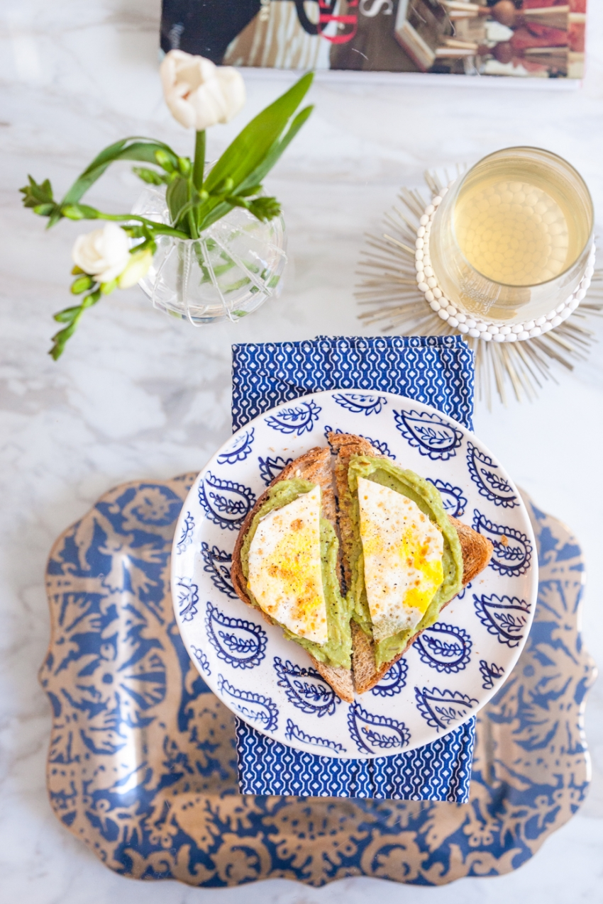 Avocado Toast with with eggs recipe