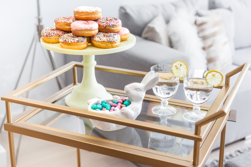 Create a pretty Spring dessert Barcart display