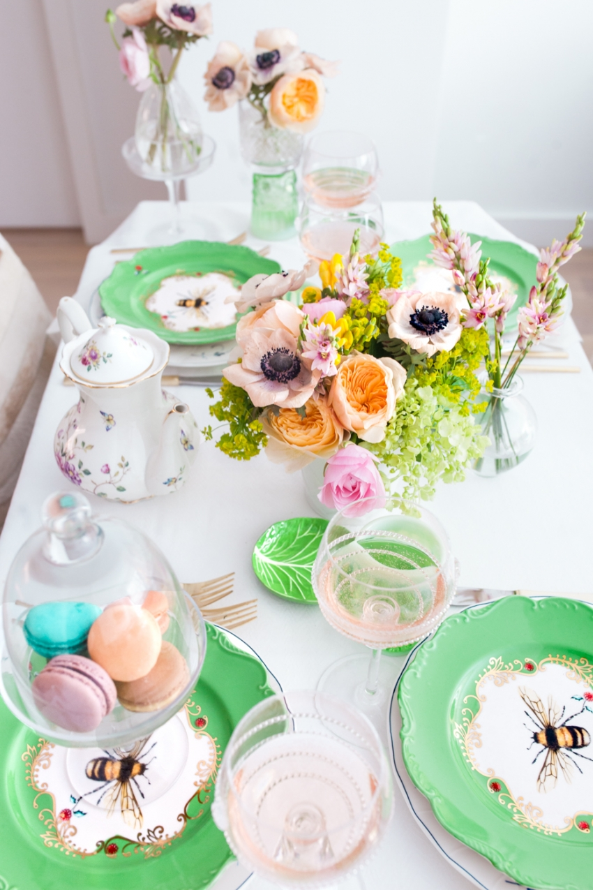 Host a garden party fashionable hostess spring flowers macarons rose wine negle