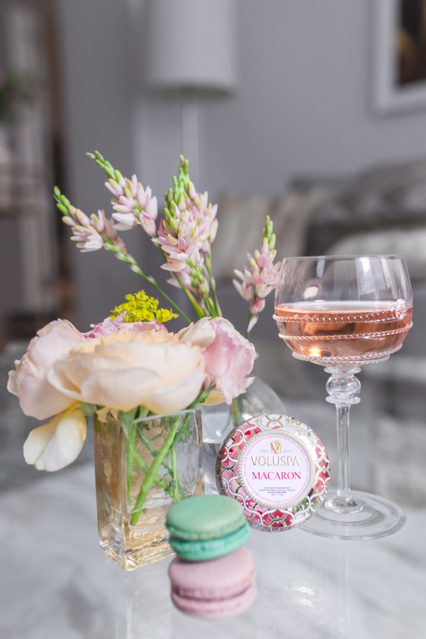 Rose wine and Macarons
