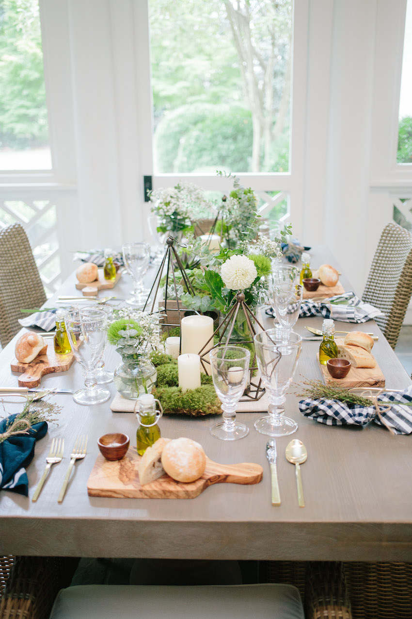 Gorgeous Summer time outdoor dinner party