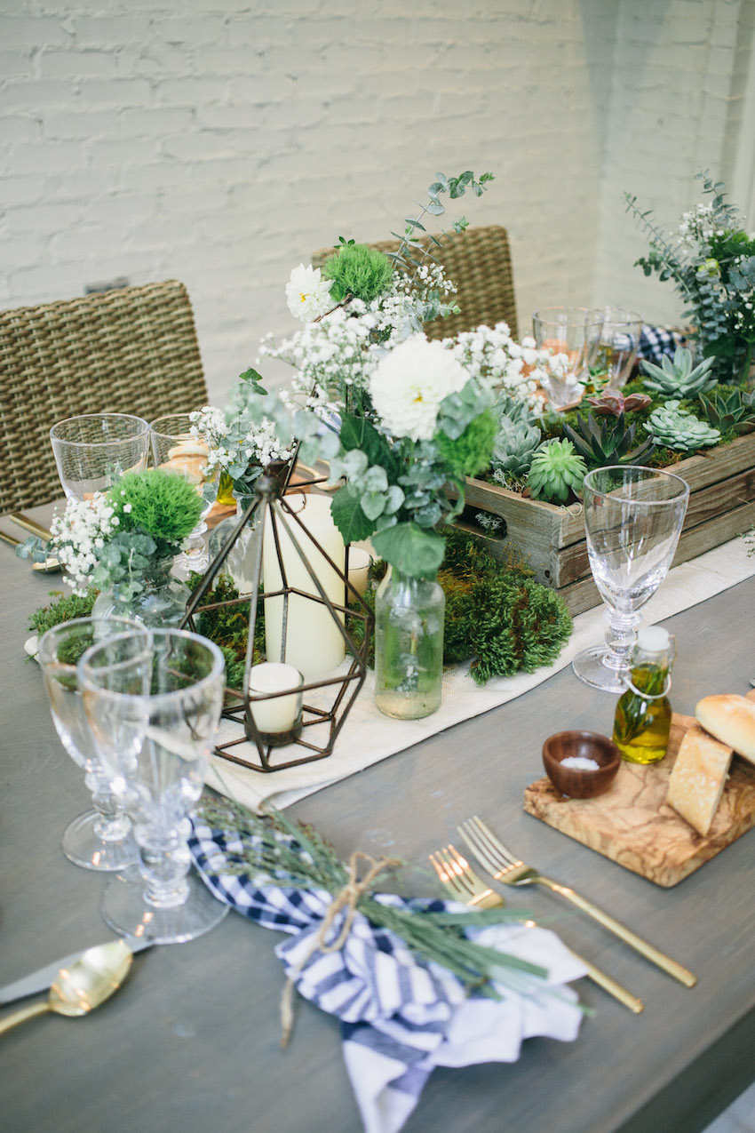 Host an Outdoor Dinner Party with a DIY succulent box centerpiece