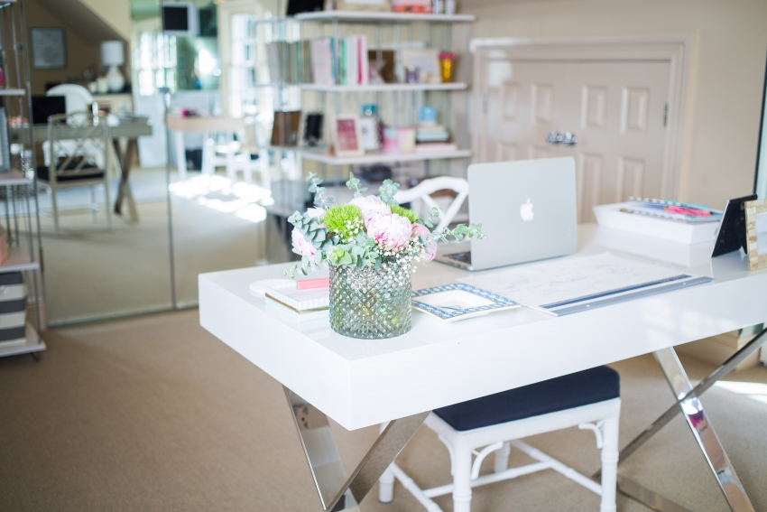 Fashionable Hostess Office Tour8