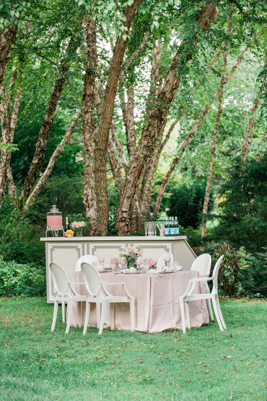 Blush Wedding Tabletop with Fashionable Hostess4