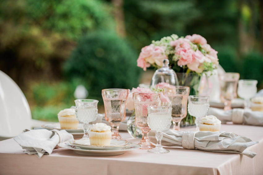 Blush Wedding Tabletop with Fashionable Hostess6