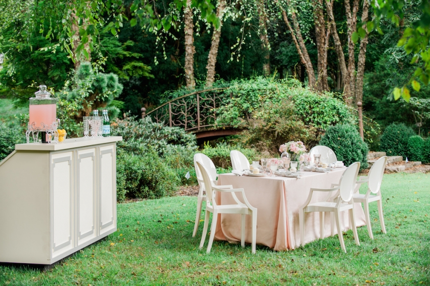 Blush Wedding Tabletop with Fashionable Hostess15