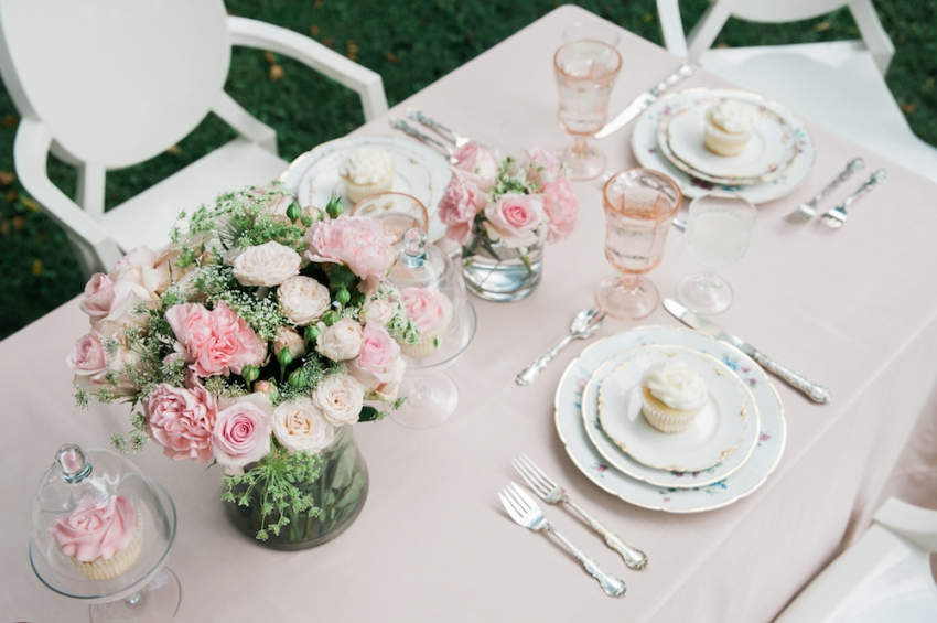 Blush Wedding Tabletop with Fashionable Hostess13