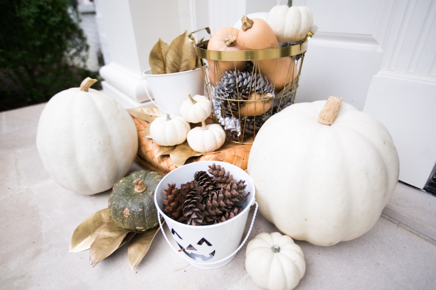 Gorgeous Fall Entry on Classic Home on Fashionable Hostess