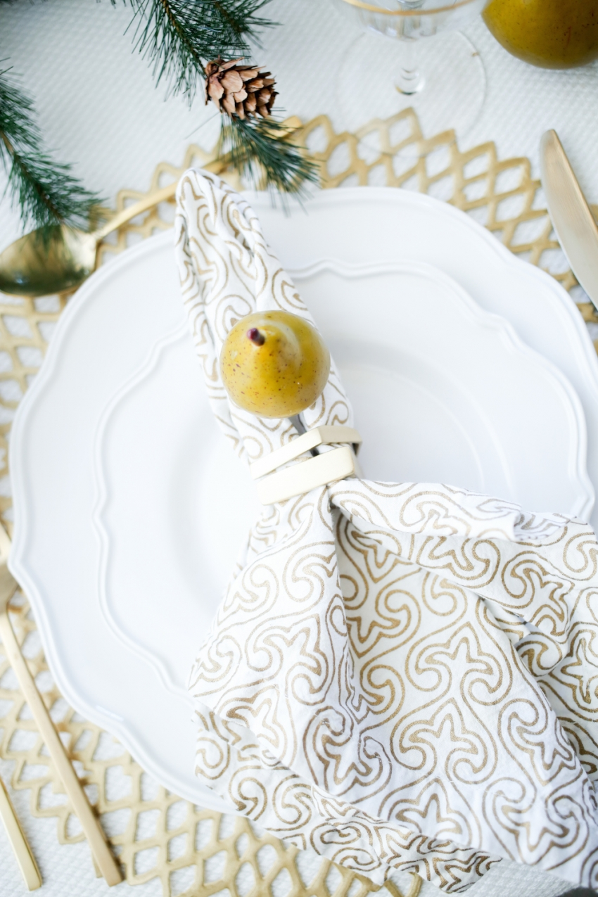 Thanksgiving TableSetting inspiration from Fashionable Hostess4