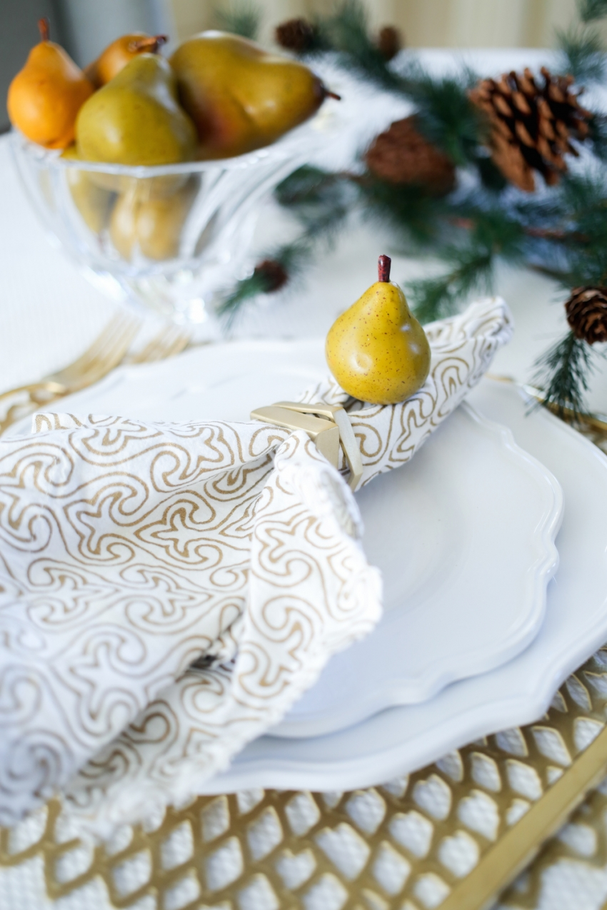 Thanksgiving TableSetting inspiration from Fashionable Hostess5