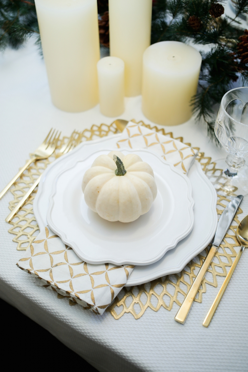 Thanksgiving TableSetting inspiration from Fashionable Hostess7