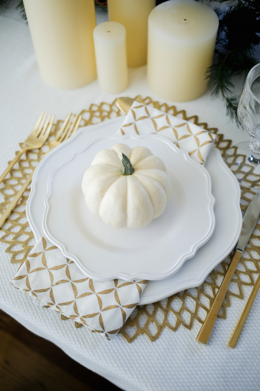 Thanksgiving TableSetting inspiration from Fashionable Hostess16