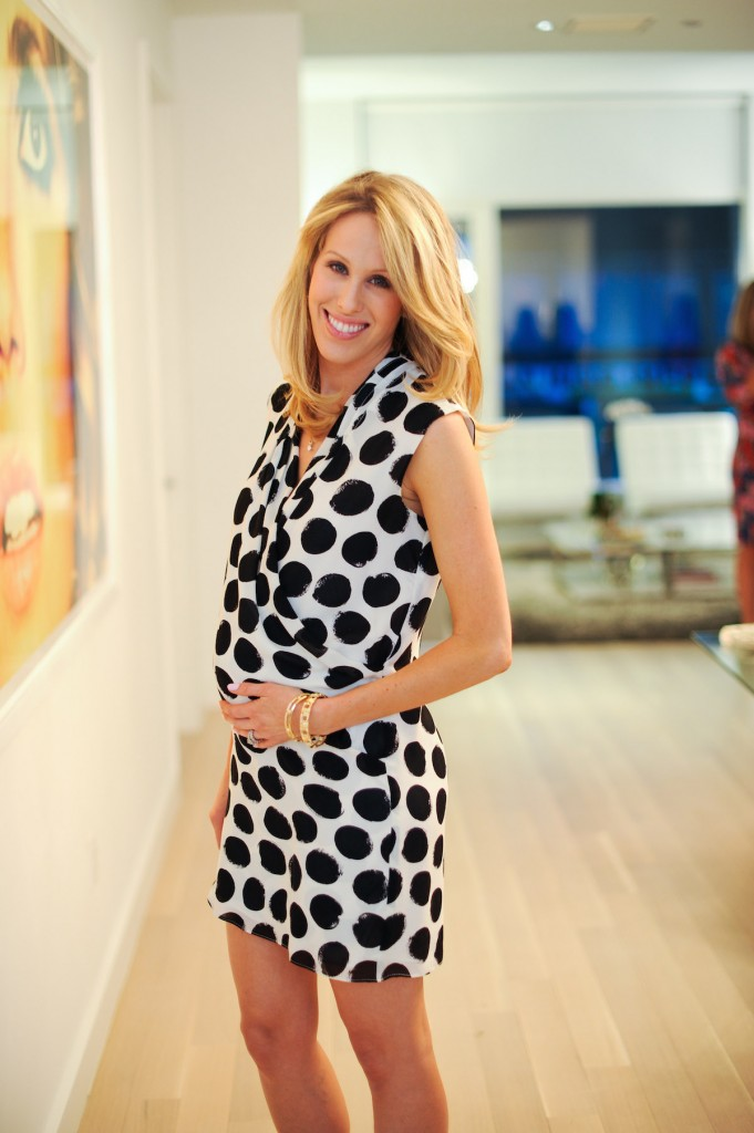 5 Months Pregnant - Tips for Styling the Second Trimester ... d3f8b4778